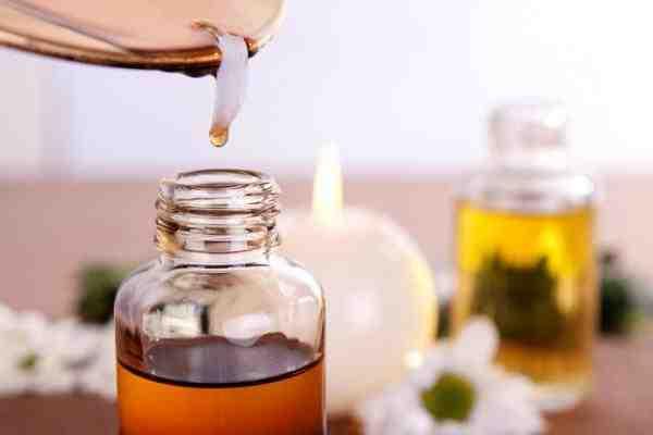 Comment utiliser l'huile essentielle de lavande contre les mouches ?